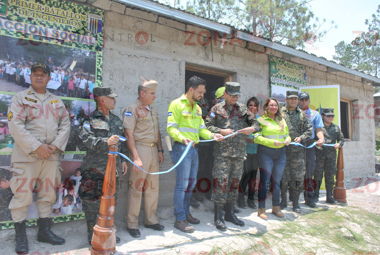 Fuerzas Armadas de Honduras y cementos Argos inauguraron cuarto programa de «Pisos Saludables»