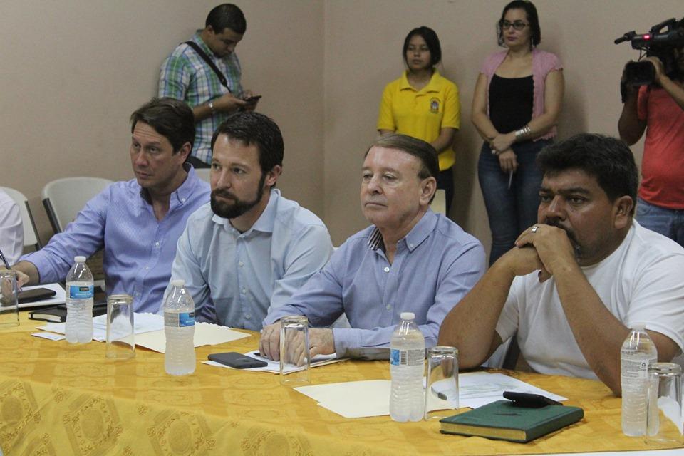 Alcaldes de Comayagua y gobierno central presentan avances a aerolíneas sobre el aeropuerto de Palmerola