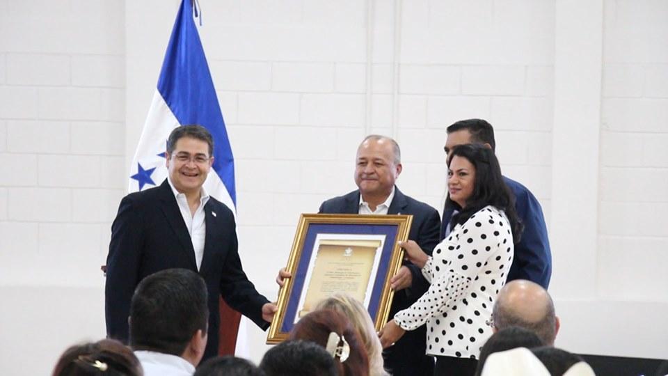 Entregan a autoridades de Siguatepeque certificado de Plan de Convivencia y Seguridad