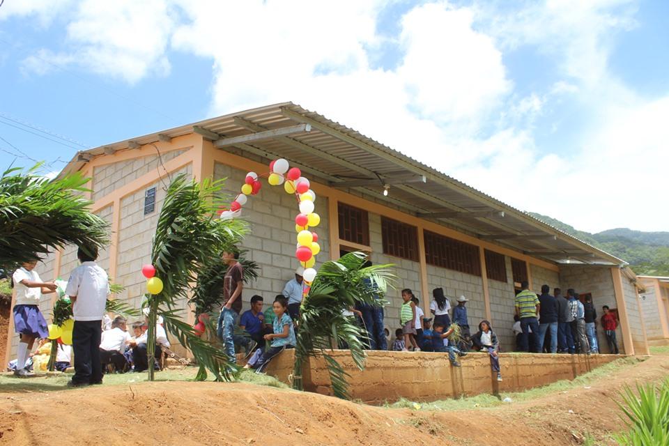 Alcaldia de Comayagua inauguró centro comunal en Planes del Hormiguero