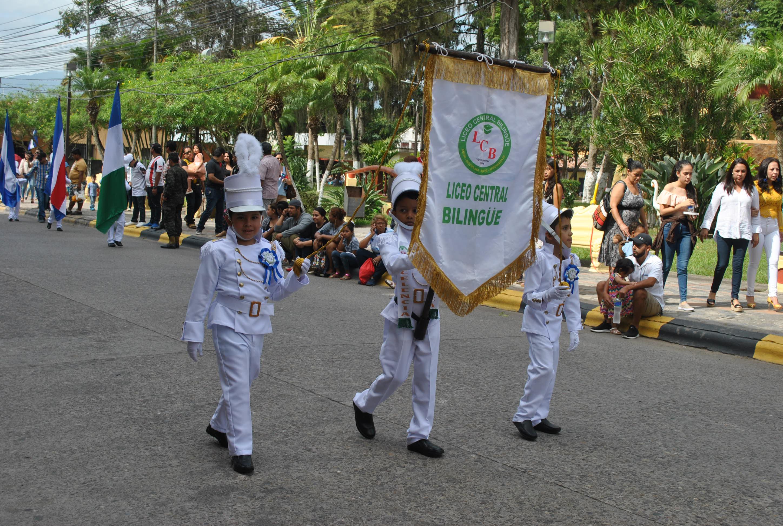 Fervor patriótico en desfile de escolares de Siguatepeque
