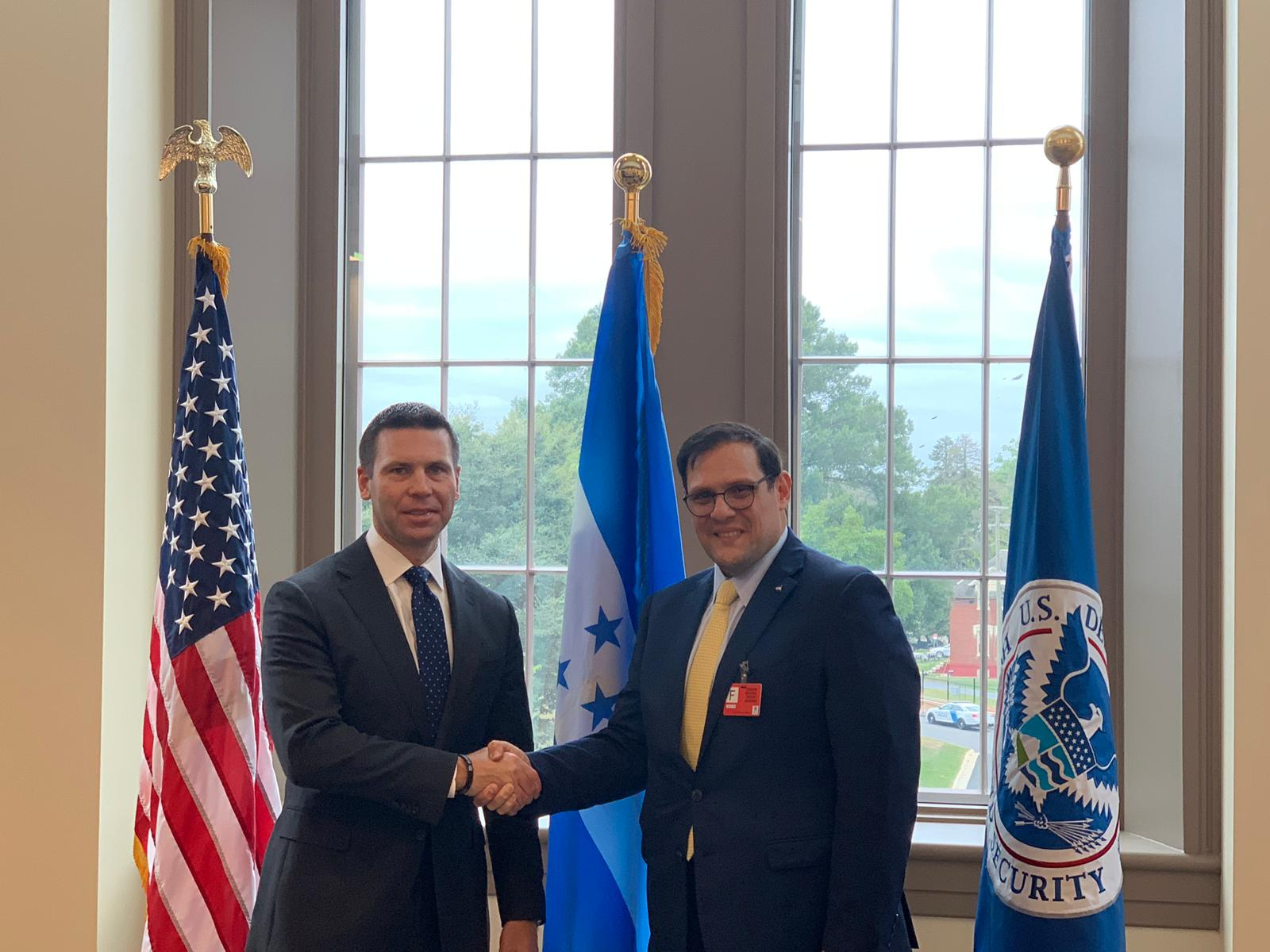 Delegación hondureñapresentan plan de desarrollo para reducir migración a EE.UU