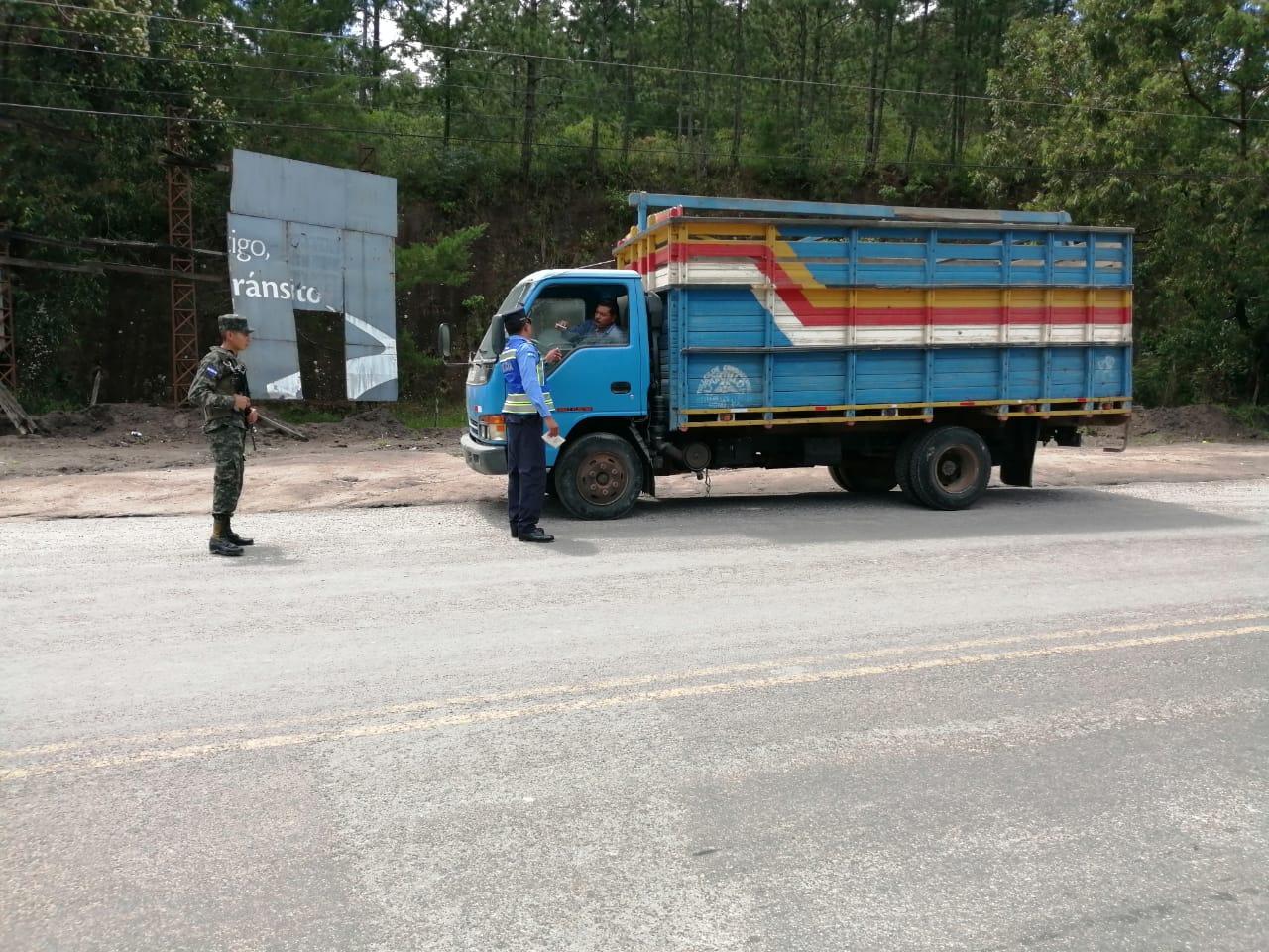 Realizan operativos para prevenir el transporte ilegal de producto