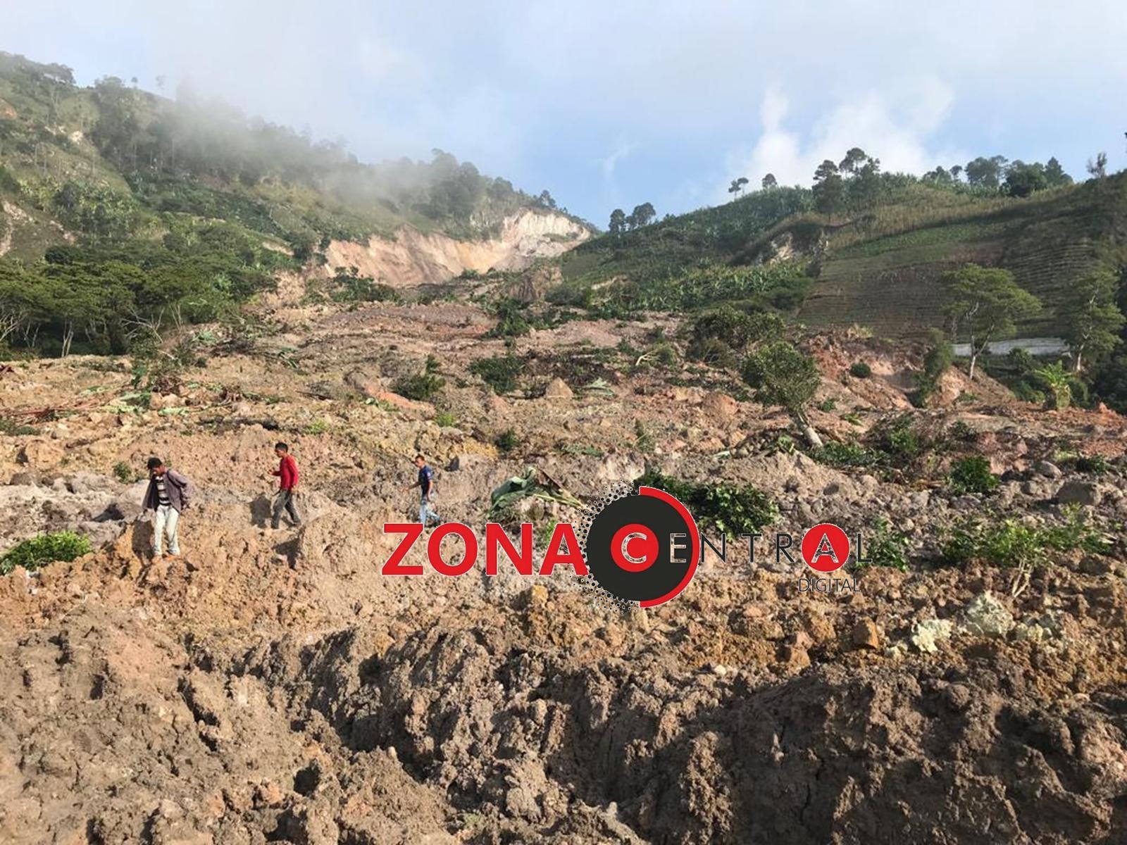 Deslave en El Junco, El Rosario causa daños