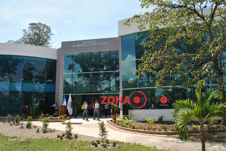 Inauguran en la UNACIFOR biblioteca «Dr. Marco A. Flores Rodas, clínica odontológica y remodelación de residencia estudiantil