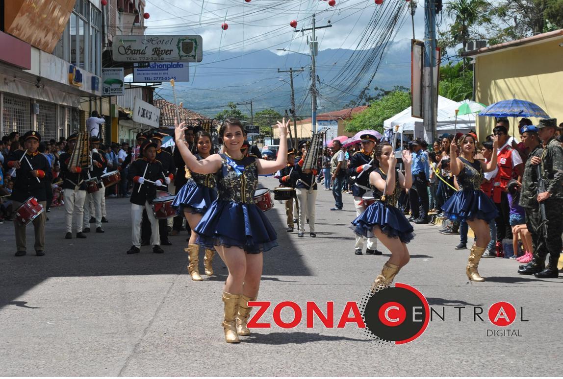Belleza,color y creatividad en desfile del 15 de septiembre en  Siguatepeque