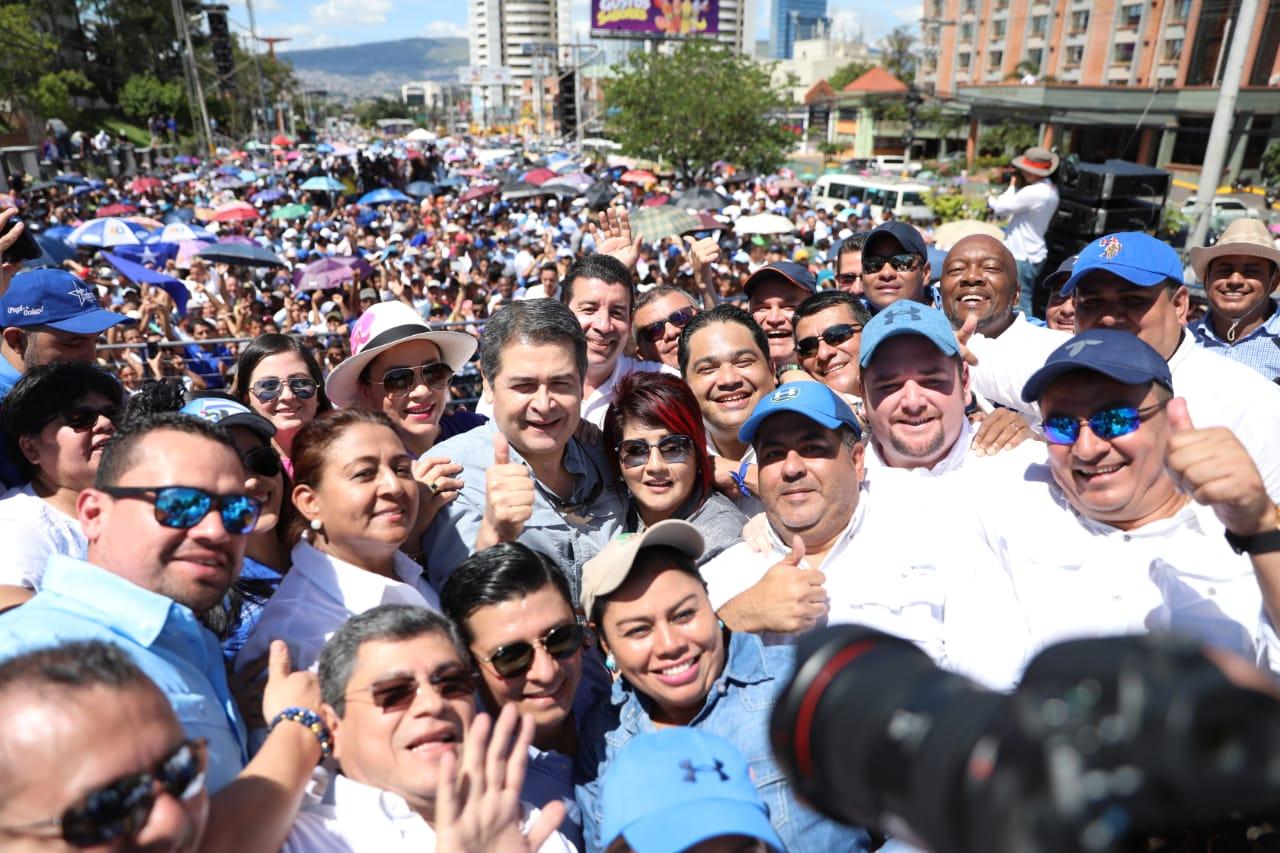 Realizan movilización «Marcha de Alianza por el Pueblo» en apoyo al presidente de Honduras, Juan Orlando Hernández.