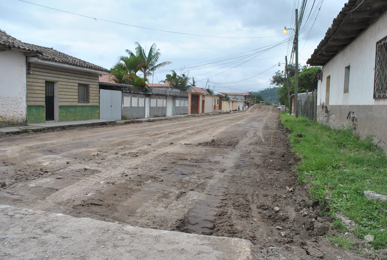 Inicia pavimentación en barrio San Miguel