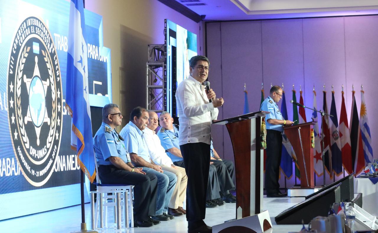 Presidente Hernández participa en inauguración de VIII Congreso Internacional de Lucha contra el Secuestro