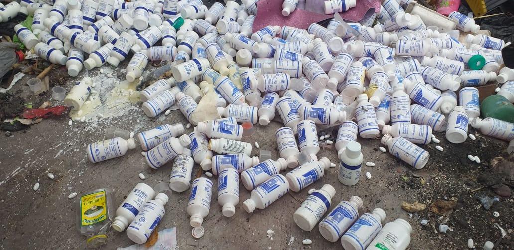 Encuentran botado un lote de medicamentos pertenecientes al Estado de Honduras