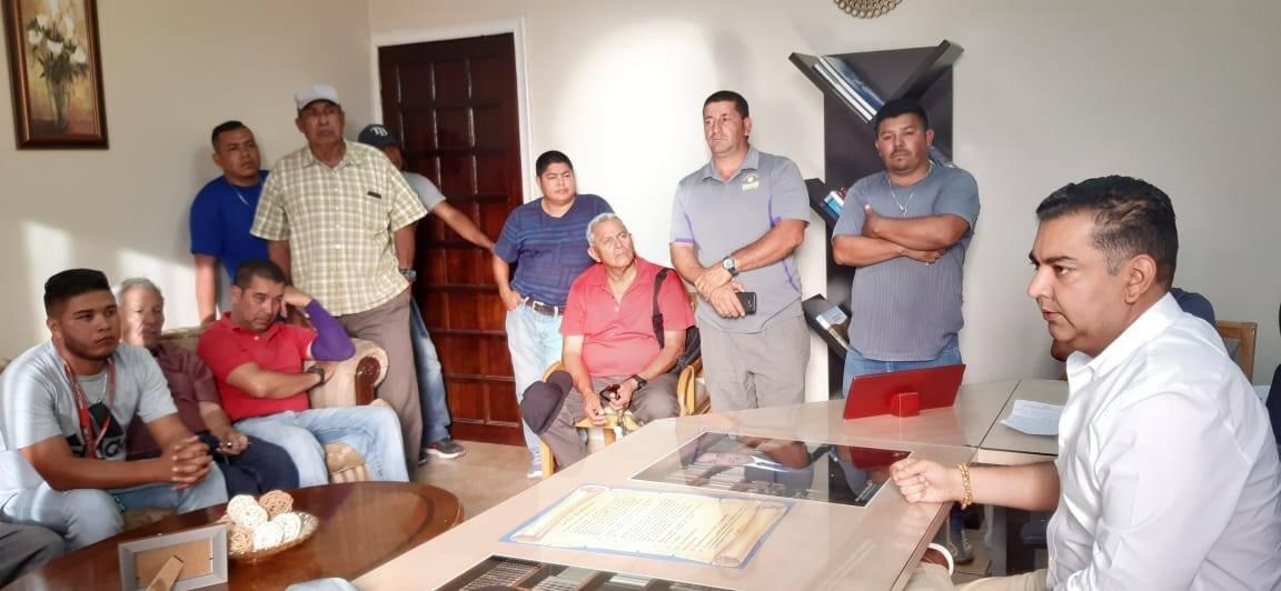 Alcalde de Siguatepeque se reuné con gremio de taxistas en Siguatepeque