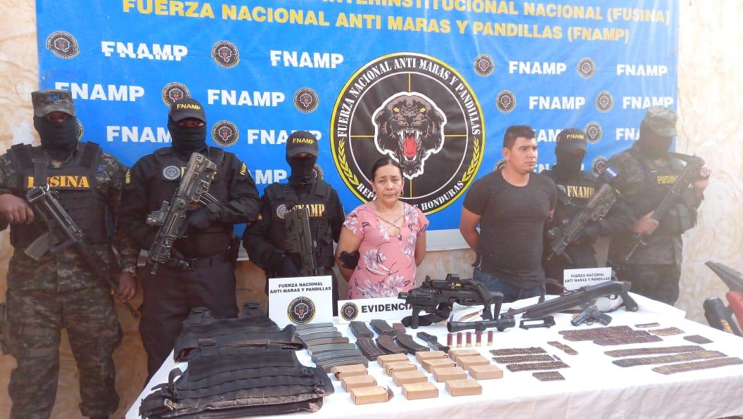 En posesión de munición de uso de guerra son detenidas dos personas en el municipio de San Jerónimo