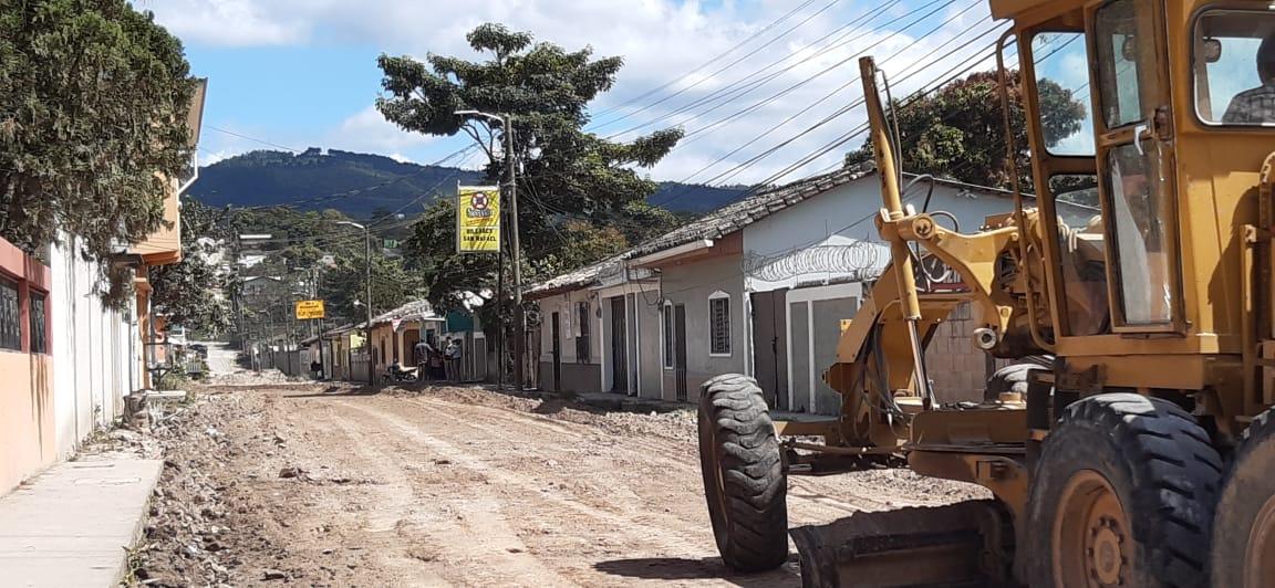 Pavimentan dos cuadras en el barrio San Antonio en Siguatepeque