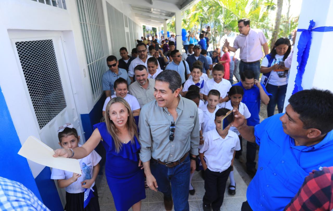 Presidente Hernández inaugura modernización de Escuela Juan Lindo de La Virtud, Lempira