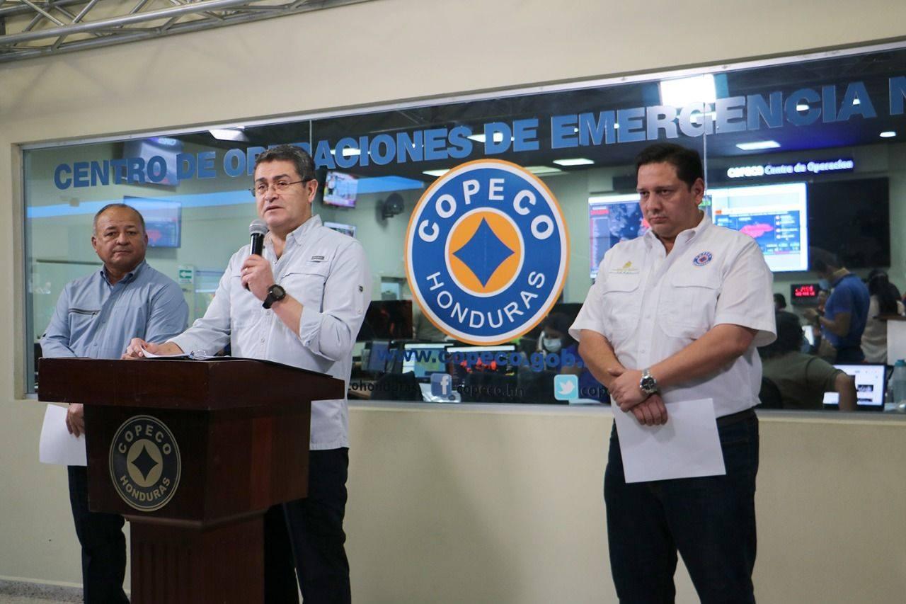 """Presidente de Honduras: """"Hoy más que nunca les pedimos que se queden en casa"""""""