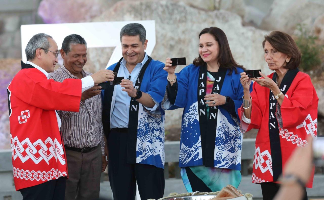 Honduras y Japón inauguran las Plazas Conmemorativas en el cerro Juana Laínez