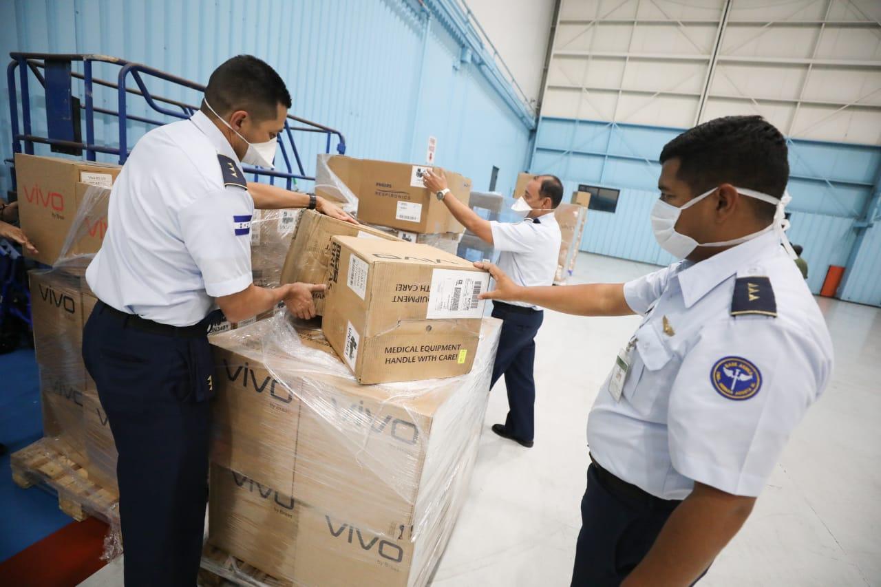 Avión presidencial transportará a Honduras equipo biomédico adquirido en Nueva York