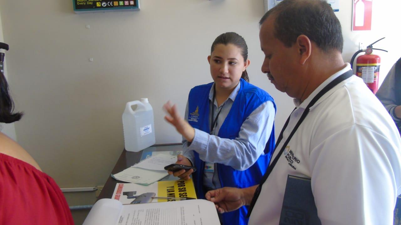 Inspecciones a bodegas continuaron en Comayagua, para evitar alzas y acaparamiento de productos que previenen Covid-19