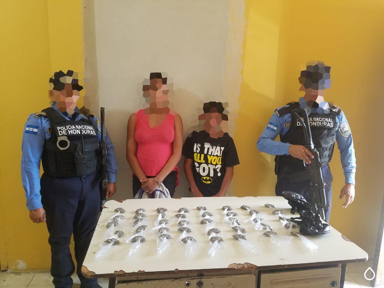 Dos menores de edad fueron aprehendidos en posesión de droga