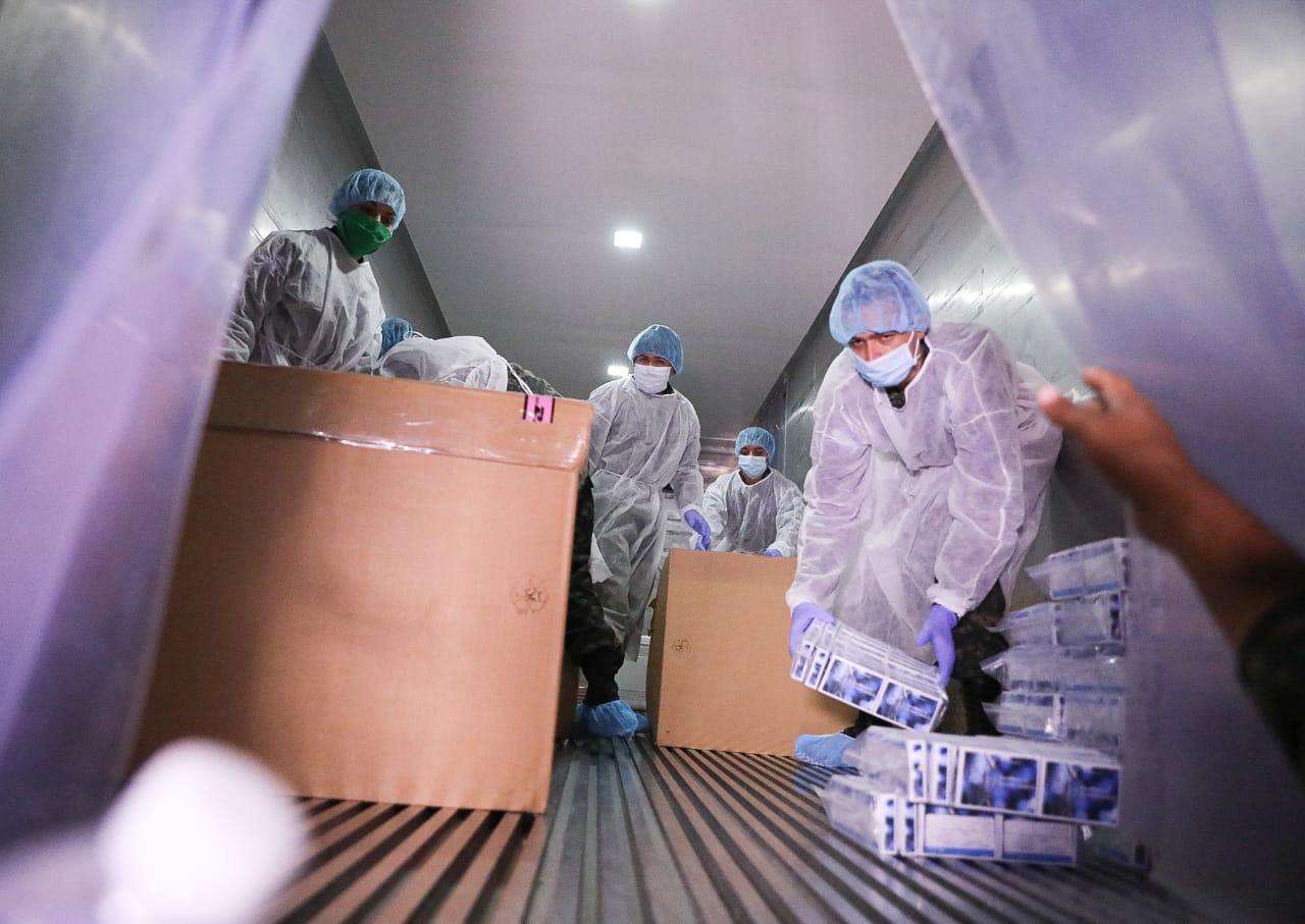 Llegan 26,000 pruebas para detectar coronavirus donadas por BCIE