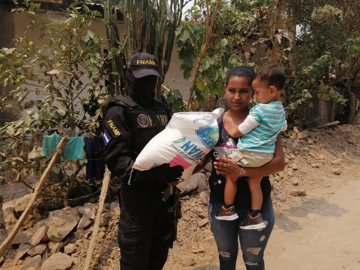 FNAMP en colaboración de la Fundación Tzu Chi entrega más de mil sacos de arroz a familias de escasos recursos del municipio de La Trinidad Comayagua