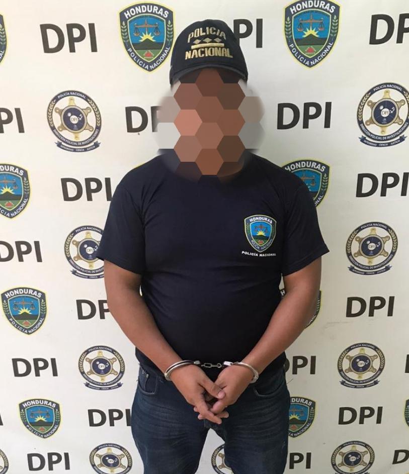 Arrestado sujeto por hacerse pasar como funcionario policial
