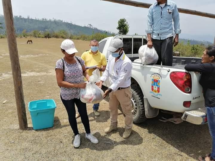 Avanza entrega de ayudas alimentarias en comunidades de Comayagua