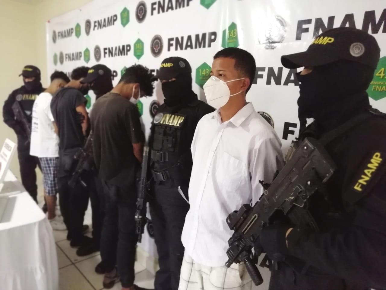 Mientras andaban cobrando extorsión la FNAMP captura a cuatro miembros de diferentes organizaciones criminales en dos operaciones simultáneas desarrolladas en la capital