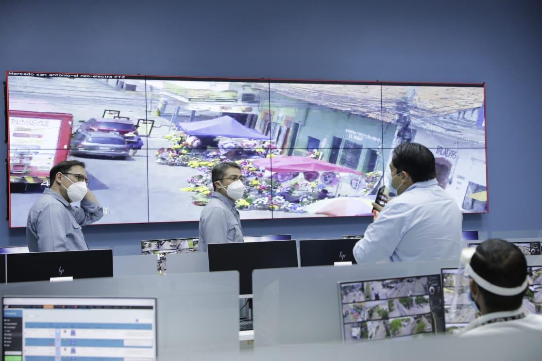 Presidente Hernández visitó nuevas instalaciones del 911 en Choluteca