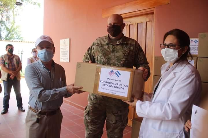 Fuerza de Tarea Conjunta Bravo entrega equipo de bioseguridad al Hospital General Santa Teresa