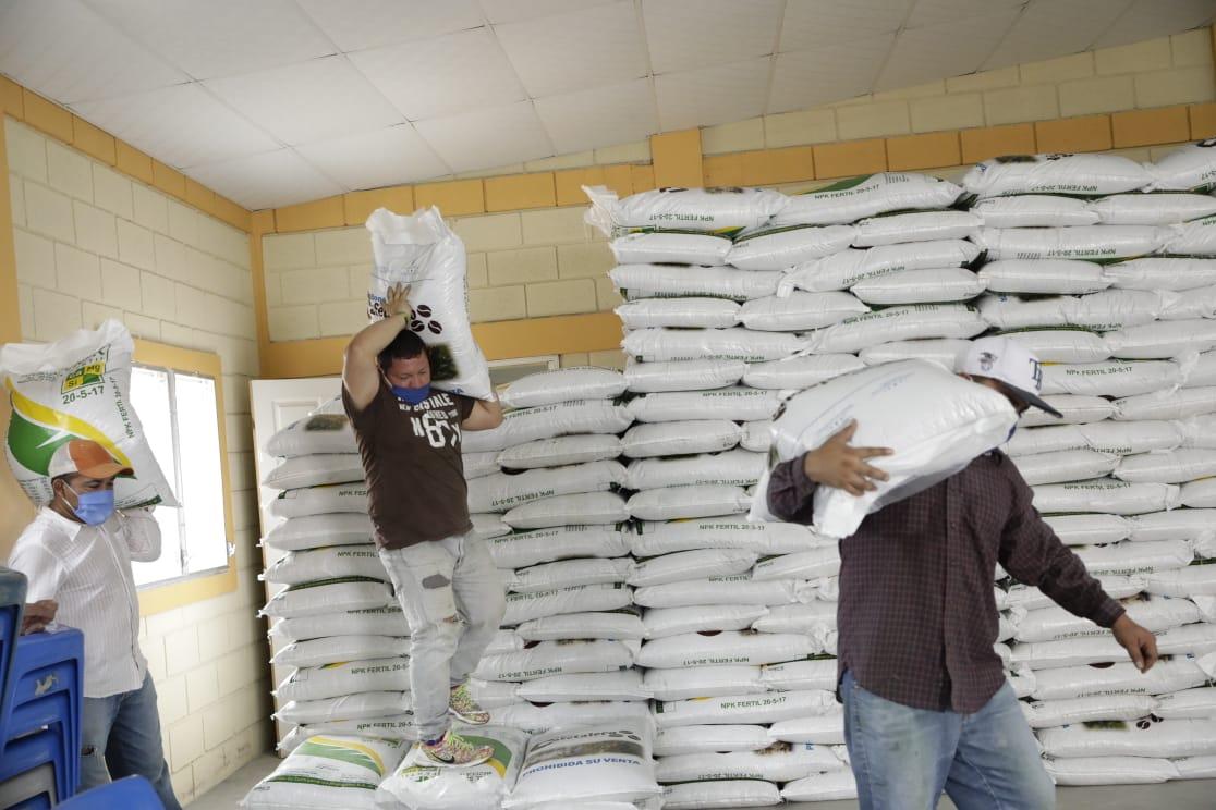 Presidente Hernández entrega Bono Cafetalero a más de 1.200 productores en Siguatepeque