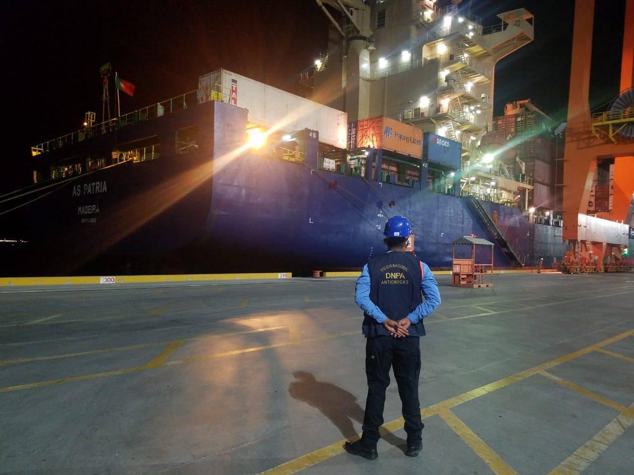 Policía Antidrogas realiza inspección a contenedores a nivel nacional