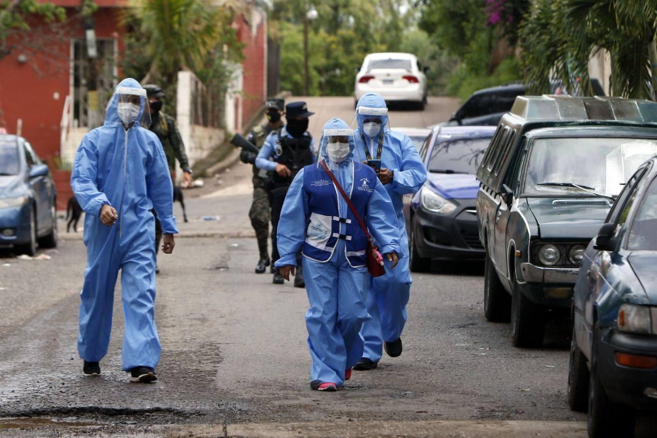 Más de 300 familias son atendidas en primera jornada de brigadas médicas contra covid-19