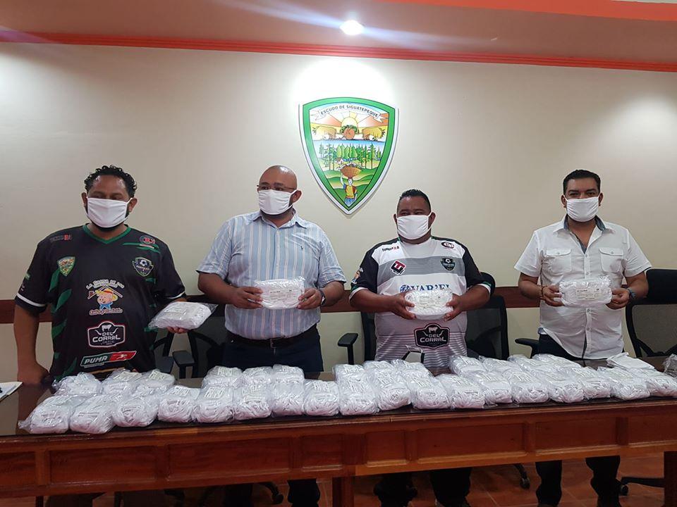 Gobierno local de Siguatepeque entregó mil mascarillas a taxistas
