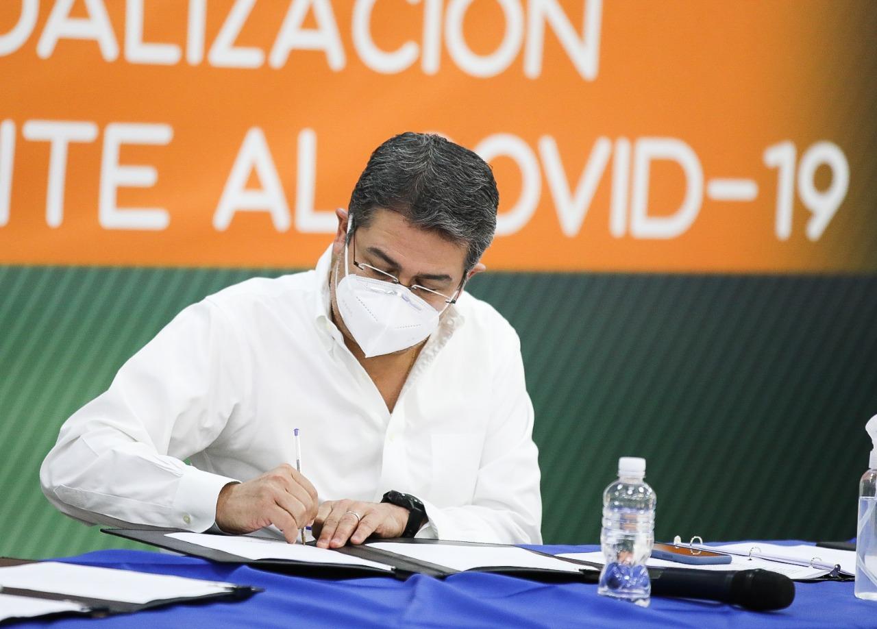 Gobierno y sectores sociales y económicos firman el Plan Nacional para una Reapertura Inteligente, Gradual y Progresiva de la Economía