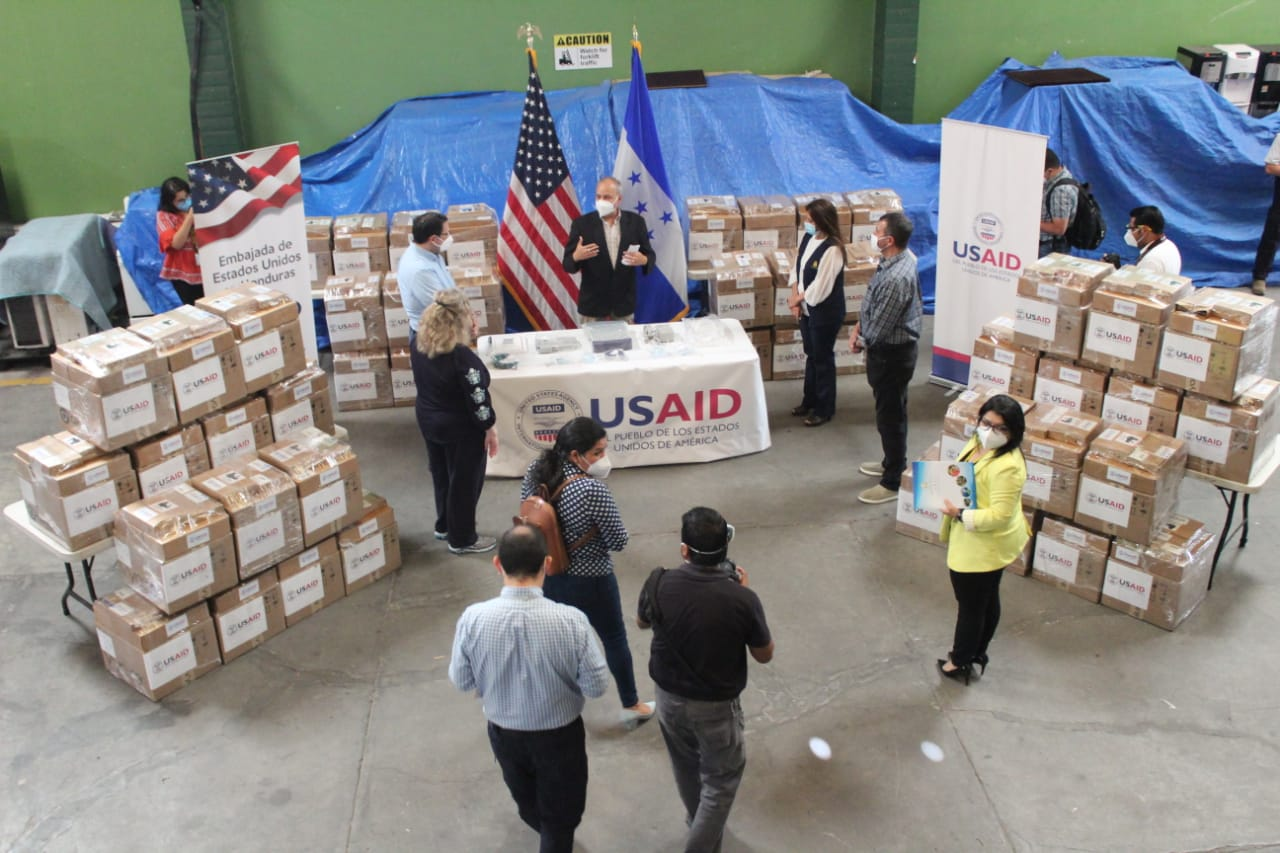 Estados Unidos realiza primera donación de 50 ventiladores a Honduras para atender el COVID-19