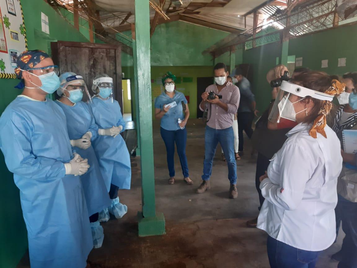Ministra de Salud visita el hospital y centro de triaje para pacientes o sospechosos de COVID-19, en Puerto Lempira