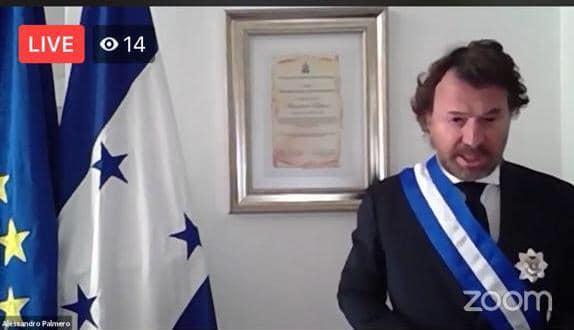 Congreso Nacional condecora con la Gran Cruz con Placa de Oro al embajador de la Unión Europea en Honduras, Alessandro Palmero