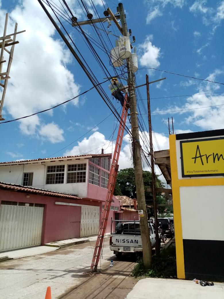 ENEE DA RESPUESTA A SOLICITUDES DE USUARIOS EN EL MUNICIPIO DE MARCALA