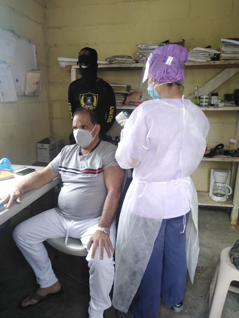 Trasladan a David Romero a centro asistencial por sospecha de COVID-19