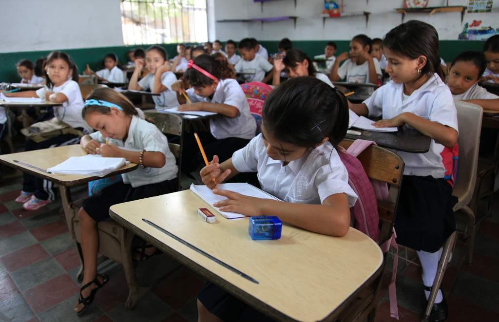Más de 178 mil educandos serán beneficiados con la mejora de 224 aulas escolares