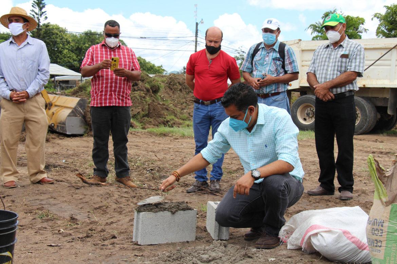 Inicia la ejecución del proyecto «PLAZA DEL ARTESANO» en la comunidad del Porvenir, una obra más de impacto en la vida de los pobladores de la zona.