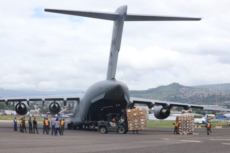 Llega segundo cargamento de equipo de bioseguridad adquirido por el Gobierno
