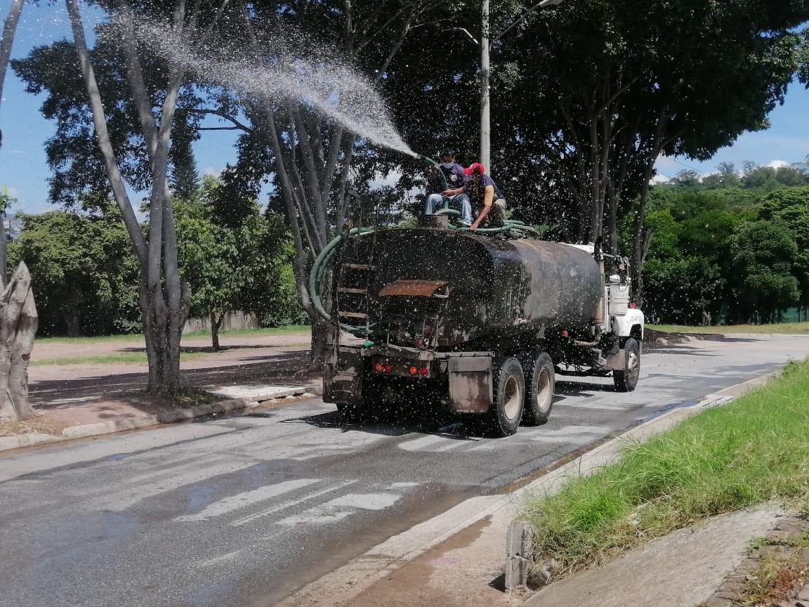 Desinfectan la capital de Honduras