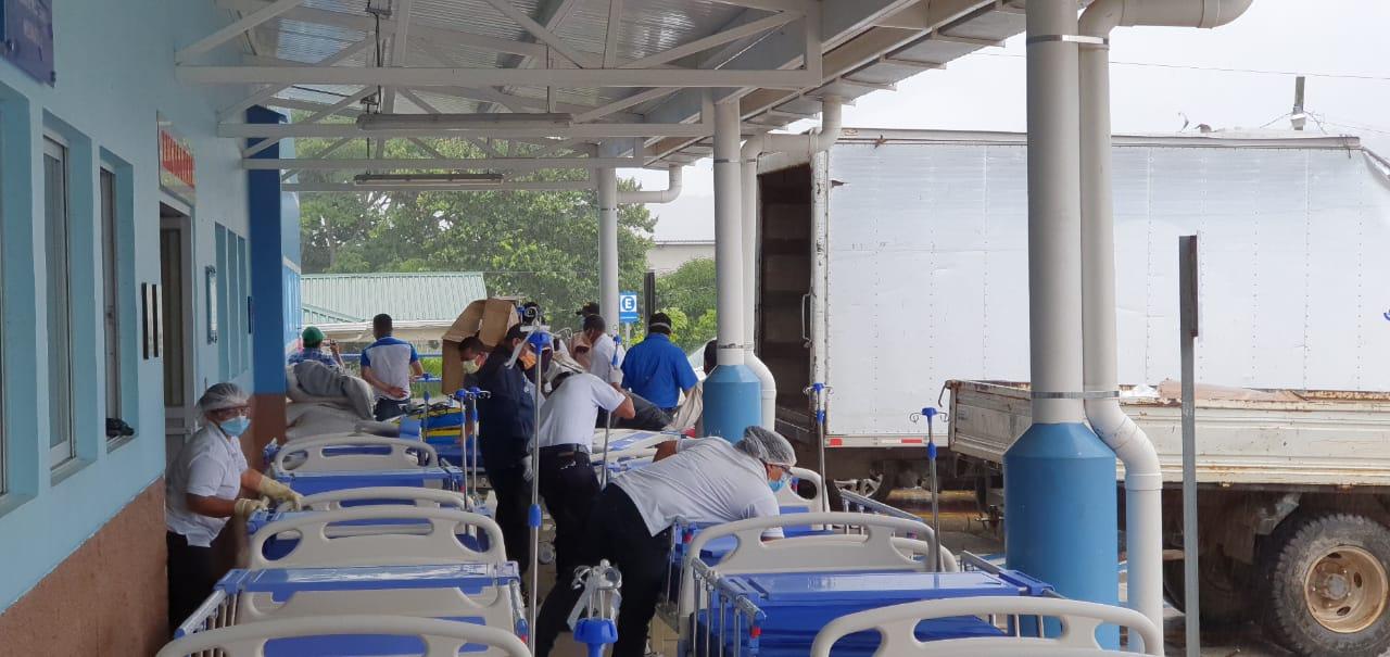 Hospital Juan Manuel Gálvez recibe 15 camas hospitalarias a través de Cepudo