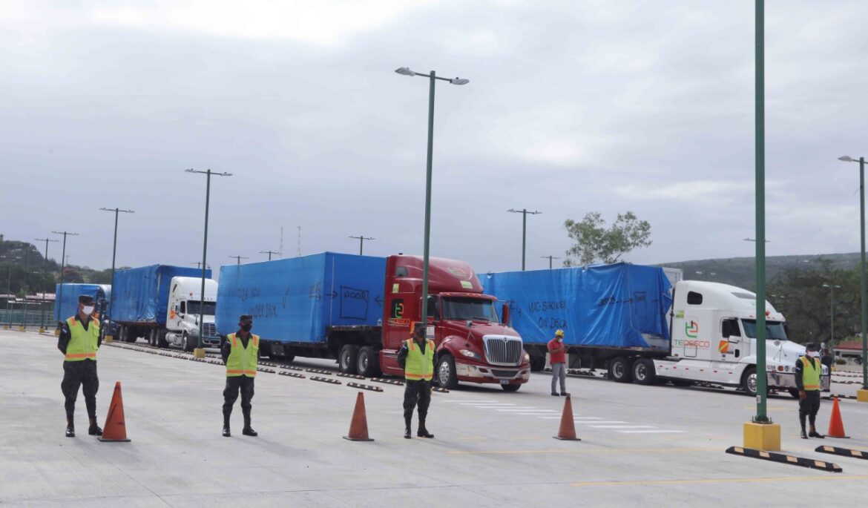 Llegan a Tegucigalpa los primeros 16 contenedores del hospital móvil