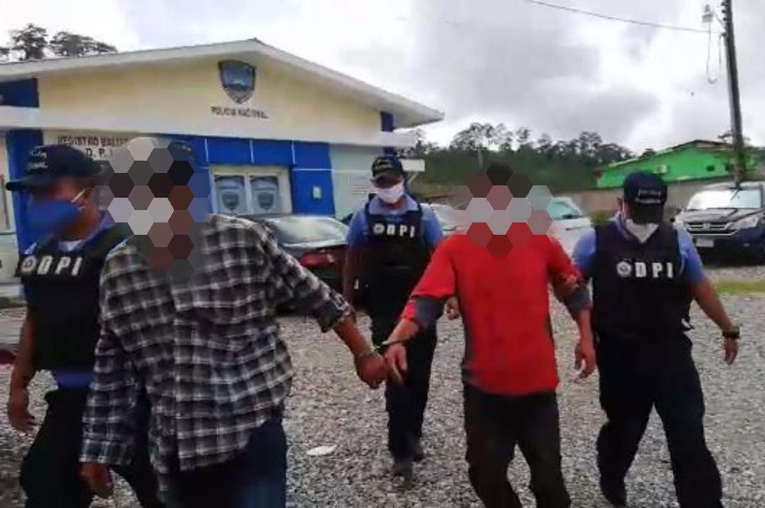 Funcionarios de investigación capturan hombre que intentó matar a su mamá por pelea de herencia