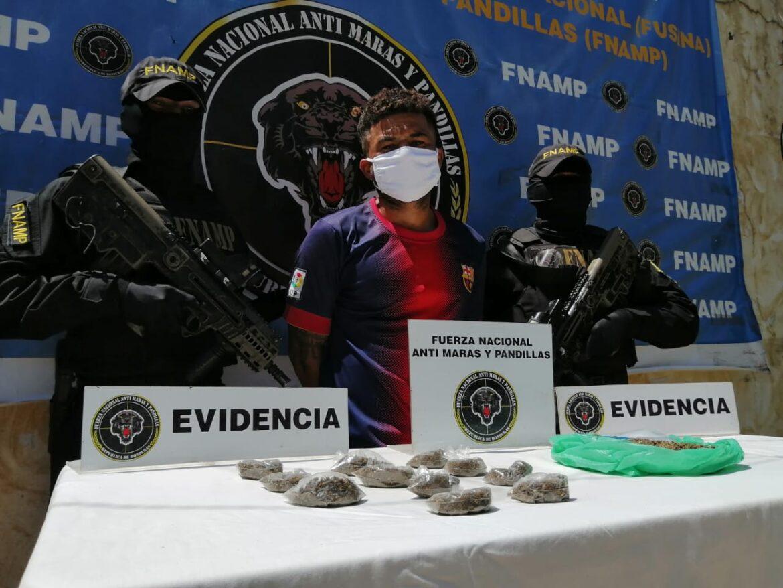 FNAMP detiene a alias «Calamardo» dedicado a la venta y distribución de drogas en el Cerro del Nance