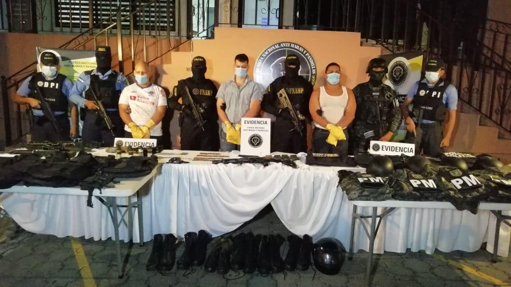 Policía Nacional, PMOP y 911 se logra la captura de cinco miembros de la pandilla 18 implicados en un homicidio múltiple