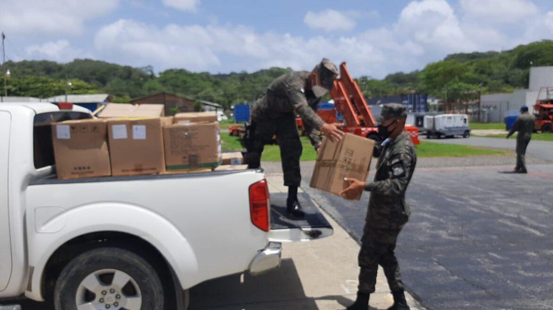 Gobierno del presidente Hernández envía insumos de bioseguridad a personal médico de Islas de la Bahía